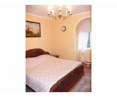You occasional sale prices in the main streets of Szentendre is a classic villa-type house
